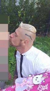 V-Mann  Andre Stefan Minini, noch 2015 mit Blood & Honour Tattoo